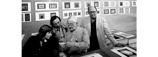 De derecha a izquierda: Ives, Albers y Sillman